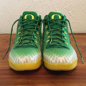 LE Nike Zoom Field General Oregon Ducks